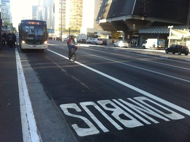 Multa para quem andar na faixa de ônibus, na Paulista