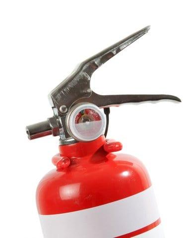 Segurança: a importância do extintor de incêndio veicular