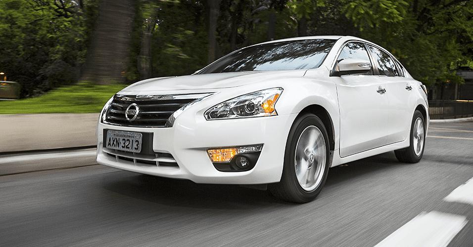 Recall Nissan Altima por risco do capô abrir sozinho
