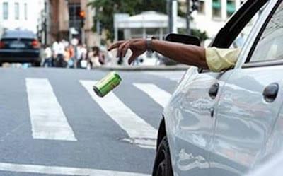 Você joga lixo da janela do carro? Atenção!