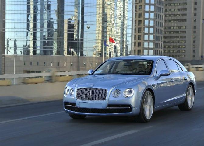 Bentley Flying Spur, modelo top de linha, chega ao Brasil