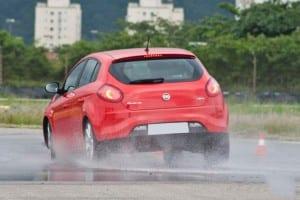 O desgaste nas pastilhas de freio pode causar riscos aos motoristas e passageiros ao dificultar a frenagem.