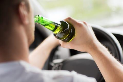 """Conheça a """"anti-direção-alcoolizada"""", a nova tecnologia que detecta motorista embriagado."""