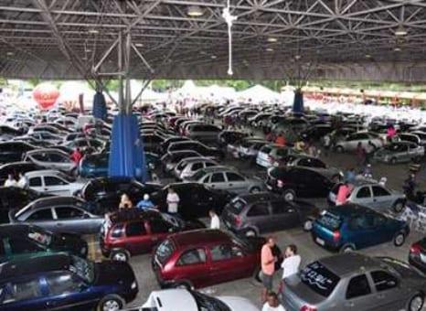 Carro leiloado fica em primeiro no ranking de restrições 2014