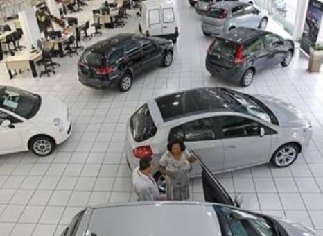 Venda de carros no trimestre é a pior em 6 anos
