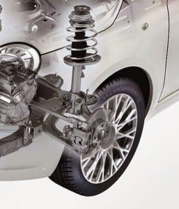 """Com os amortecedores em mau estado, o veículo reage lentamente ou com atraso, """"encostando """" sobre a suspensão."""