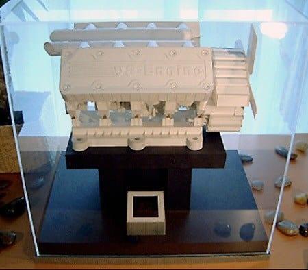 Curiosidade: mini motor V8 feito de papel e que funciona!