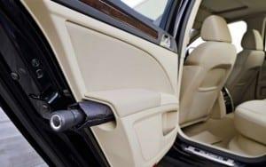 Compartimento para guarda-chuva em carros. (Foto divulgação)
