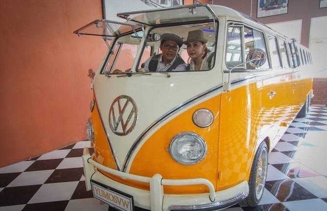 Mecânico indonésio constrói VW Kombi gigante