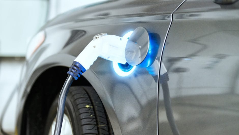 Carro elétrico possui benefício e manutenção descomplicados