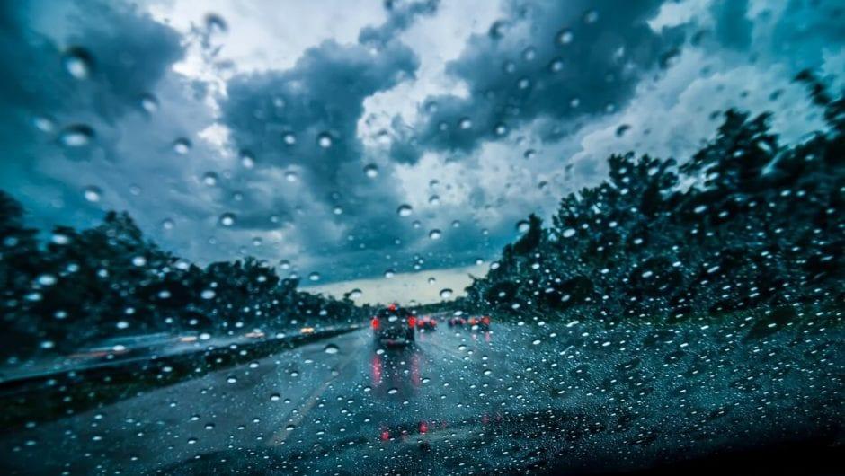 Dias chuvosos: dicas de direção defensiva
