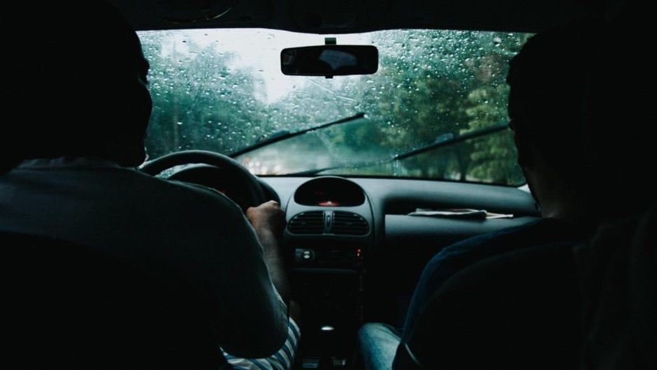Dirigir na chuva: atenção redobrada para sua segurança