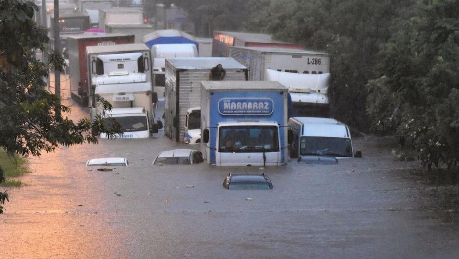 Enchentes e alagamentos: se o seu carro foi atingido, saiba o que fazer.