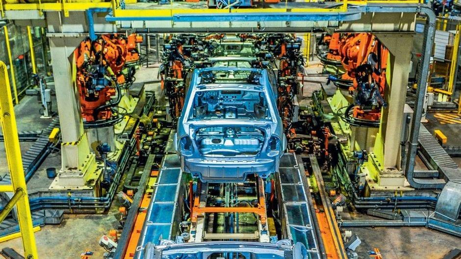 Fábricas da Toyota, Ford e Nissan retomam produção de veículos no Brasil