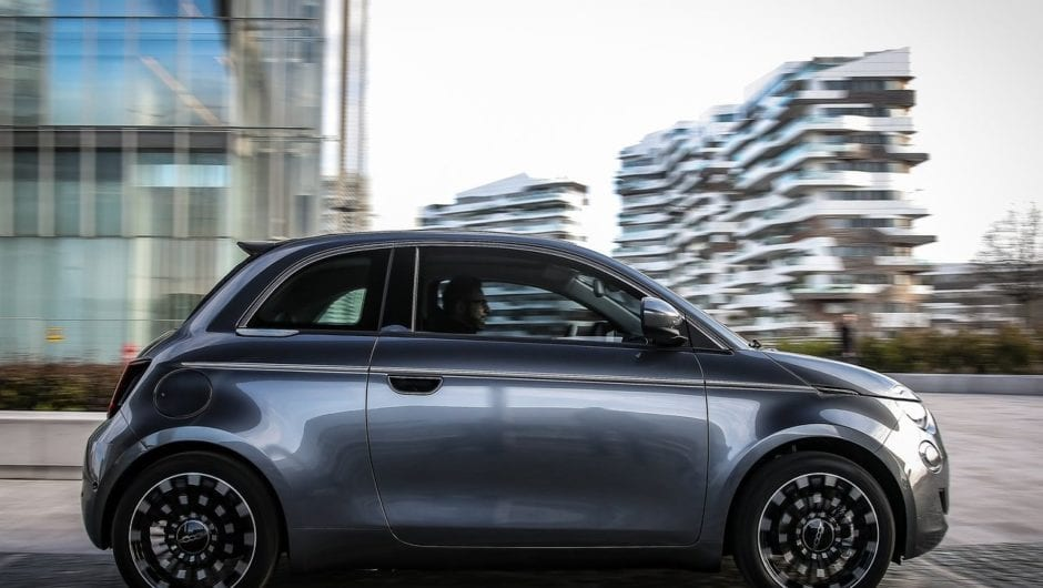 Fiat 500 elétrico edição luxo é confirmado para o Brasil