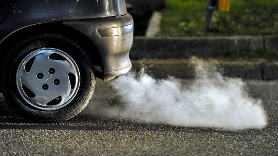 Brasil: projeto de lei quer proibir carros movidos a combustíveis fósseis em 2030, com extinção em 2040