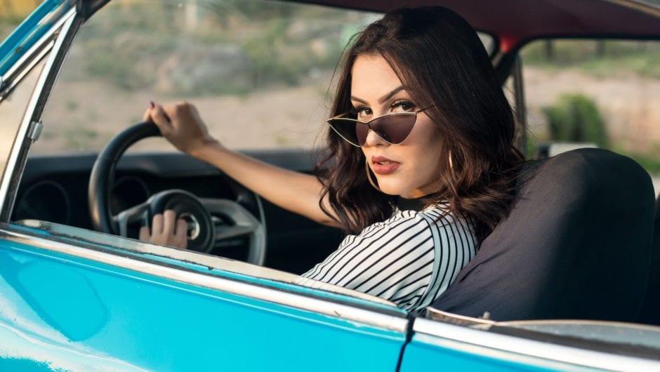 Mulher no volante, sem perigo constante!