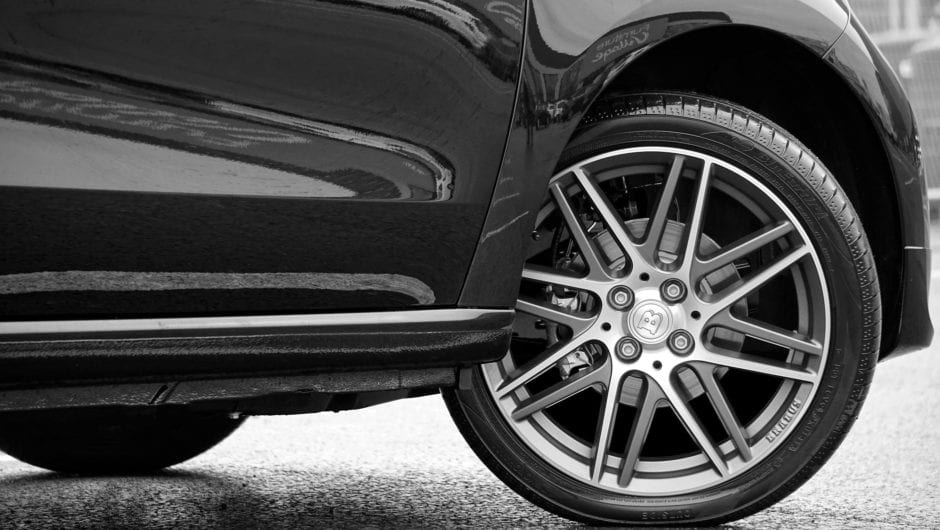 Roda de carro: 4 dicas para evitar furtos