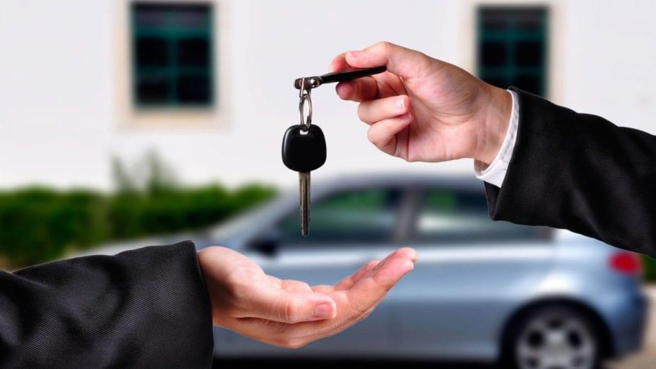 Transferência de veículo: cuidados ao transferir o documento do carro